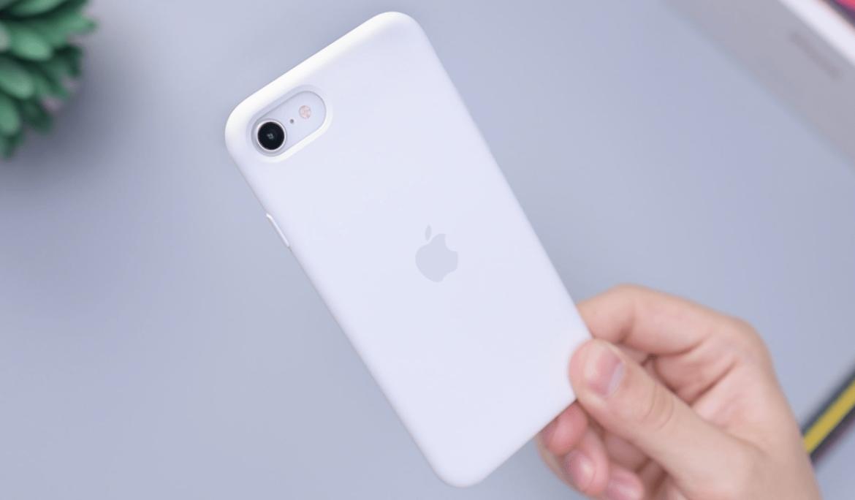 Silikonové kryty na iPhone SE jsou účinnou ochranou vašeho telefonu – unikátní mobil už máte, tak mu dopřejte tu nejlepší péči!